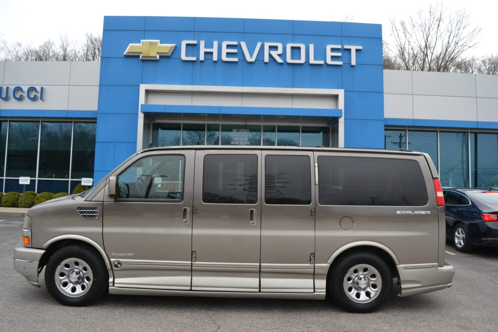 2010 AWD Chevrolet Express Explorer Limited X-SE 1GBUHEB41A1168463 Mike Castrucci Conversion Van Land