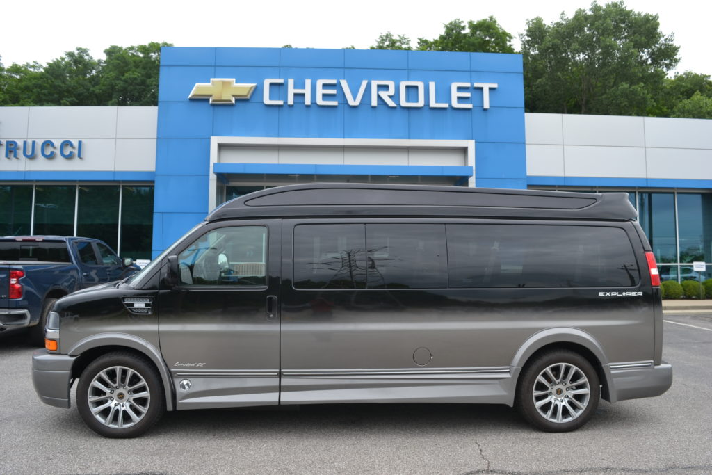 2017 Chevy Express 2500 9 Passenger - Explorer Limited X-SE 1GCWGBFG4H1136062 Mike Castrucci Conversion Van land
