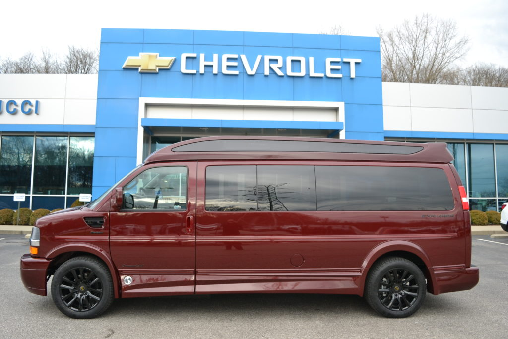 2020 Chevy Express Ext. 7 Passenger - Explorer Limited X-SE VC Sport 1GCWGBFG2L1256306 Mike Castrucci Conversion Van Land
