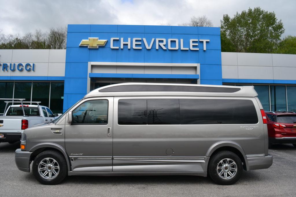 1GCWGBFG6K1176375 4X4 Explorer Van