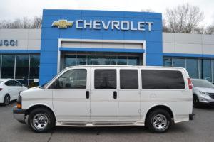 1GDFG15T641209303 Chevrolet Conversion Van by Explorer Van Company