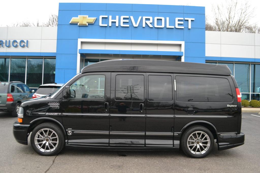 Used AWD Explorer Van