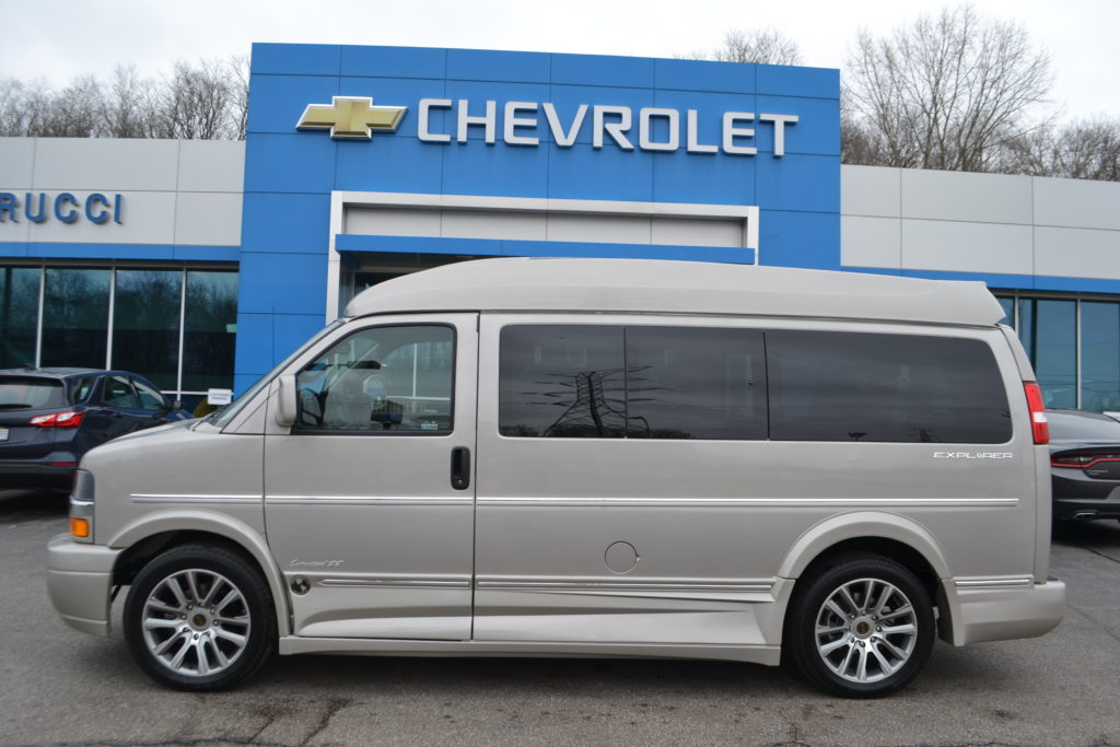 1GCWGAFG7K1225917 2019 Explorer Van