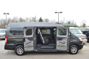Conversion Van Land 9 Passenger Ford Vans