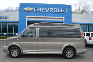 1GCWGAFG6K1209899 Explorer 4X4 Van