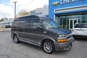1GCWGAFG8K1357097 Explorer Van