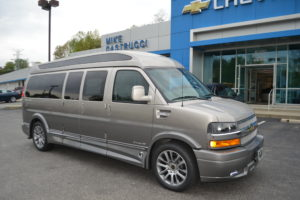 1GCWGBFG9K1362752 Explorer Van