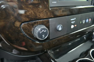 Four Wheel Drive Explorer Van