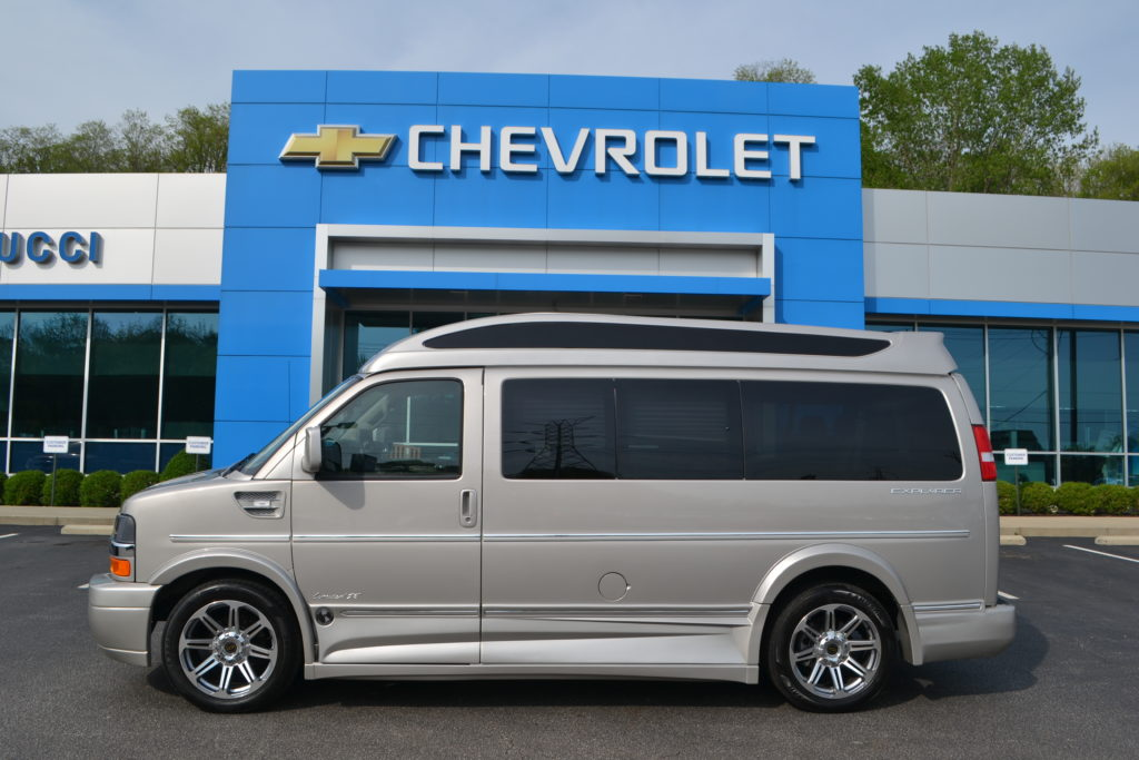 2018 Chevrolet Express Explorer Limited X-SE VC Silver Birch Metallic Explorer Van Co Conversion Van Land Mike Castrucci Chevrolet J1179698