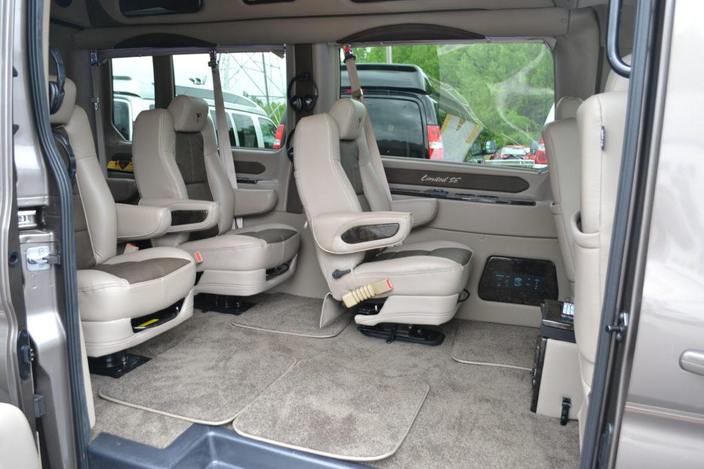 2018 Ford Transit 250 MR 9 Passenger - Explorer Limited SE - Mike