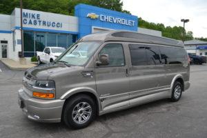 New 4X4 Explorer 9 Passenger Vans