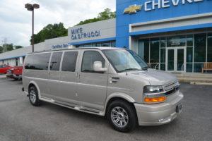 4 Wheel Drive 15 Passenger Van