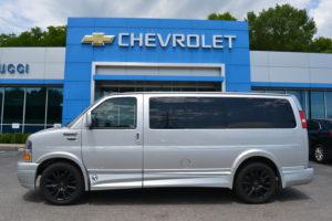 1GCWGAFG9L1151448 Mike Castrucci Chevrolet Conversion Van land