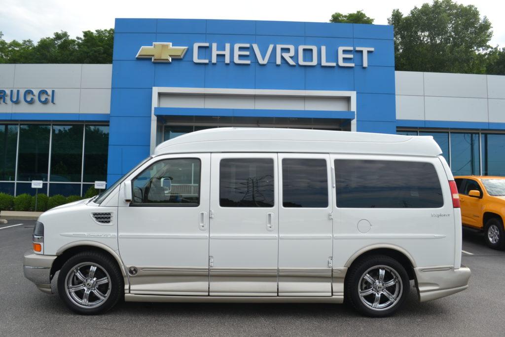 2010 Chevrolet Express Explorer Limited X-SE White A1115444 Mike Castrucci Conversion Van Land