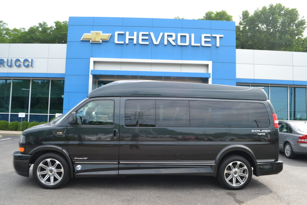 Used 4X4 9 passenger Van
