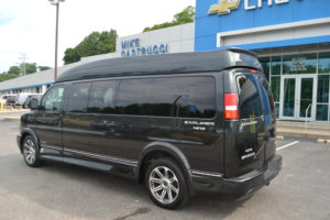 4 wheel drive 9 passenger conversion van