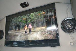 Large Flat Screen TV play Movies or Games run apps like Direct TV Now or Amazon Prime with the available 4GLTE Wi-Fi connection