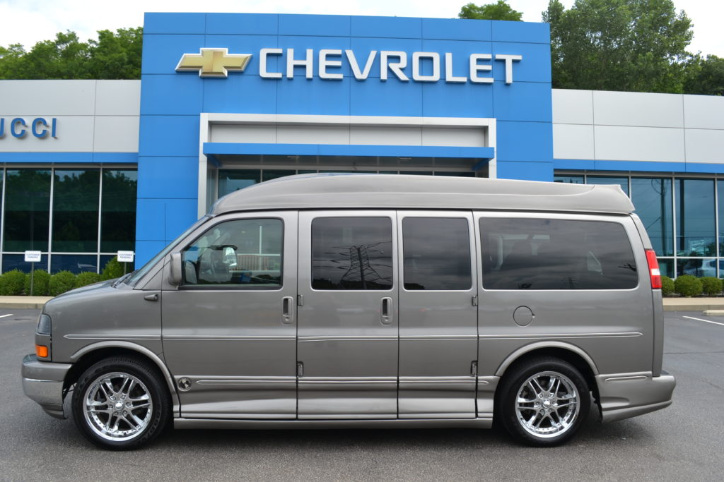 2007 GMC Savana Explorer Limited X-SE Graystone Metallic 71207096 Mike Castrucci Conversion Van Land