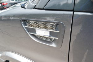 Side Vents with Turn Signal indicators