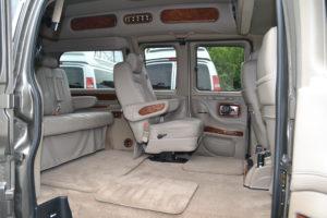 Quick Release Center Captain Chairs, Move People or Cargo Explorer Conversion Vans