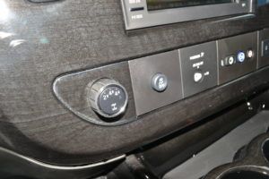 4X4 Select Explorer Van Co