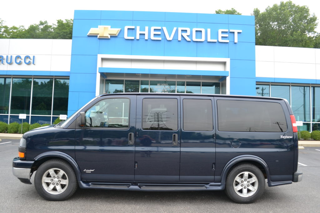 2012 AWD GMC Savana Explorer Limited SE