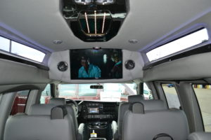 Conversion Van Land TV
