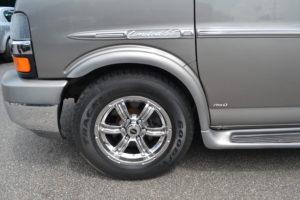 17 Chrome Wheel, 245/70 R17 GoodYear Tires