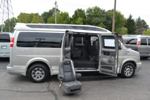 Removable Center Seating Explorer Vans
