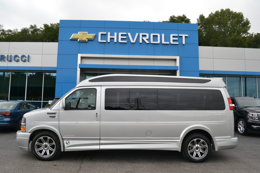 four wheel drive 9 passenger conversion van