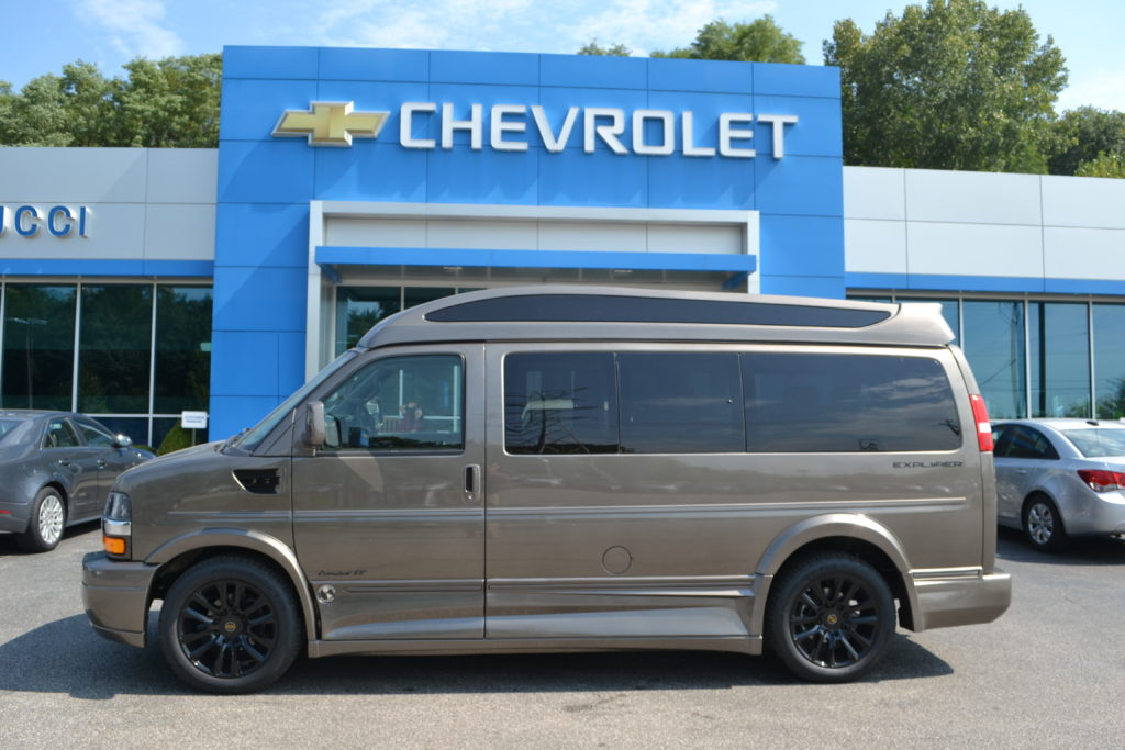 1GCWGAFGXK1341872 Explorer Van