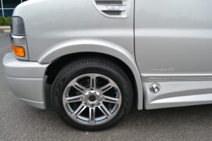 2018 Explorer Van Company 20 in. GM Wheel with Pirelli Tire