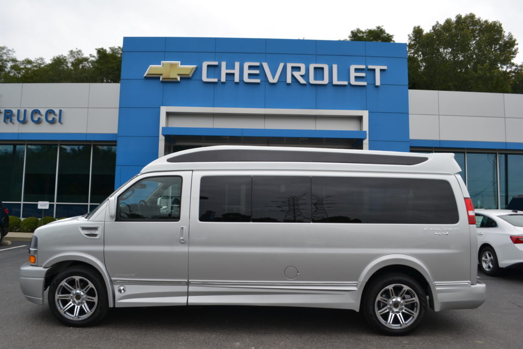 Loaded 4X4 9 Passenger Conversion Van