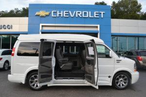 1GCWGAFG4J1337895 Mike Castrucci Chevrolet Conversion Van Land 1099 Lila Ave Milford OH 45150
