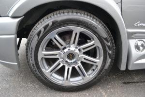 2018 Explorer Van GM Wheel & Tire