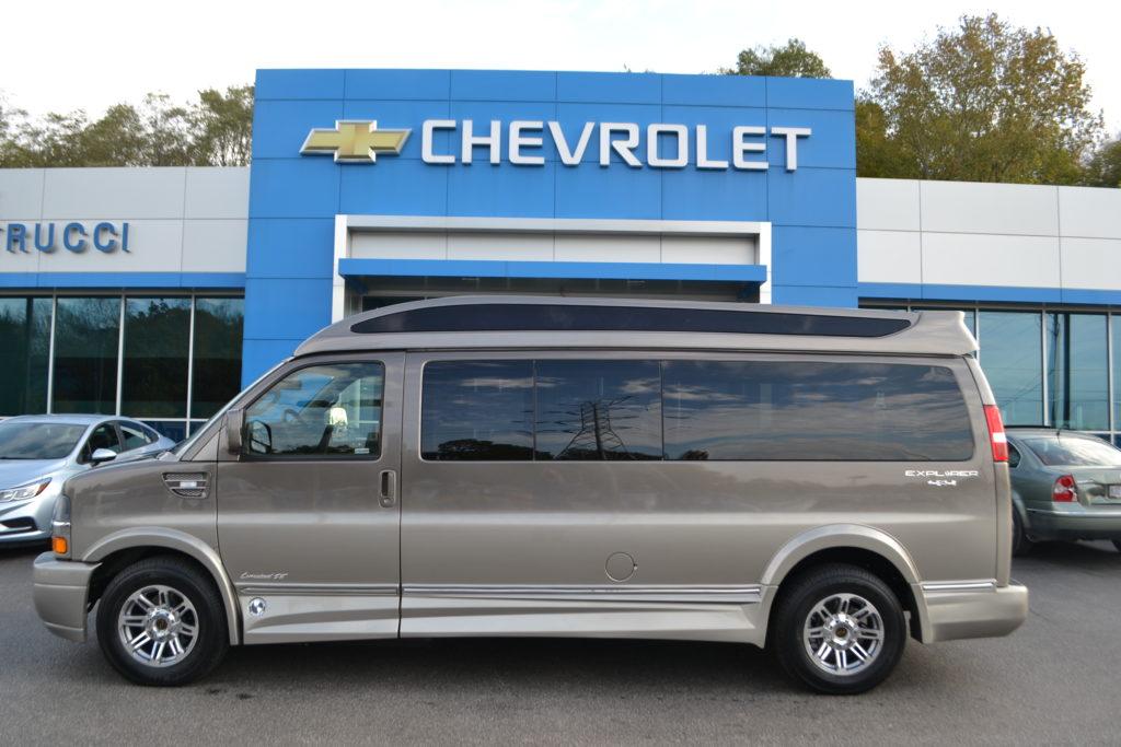 9 Passenger 4X4 Explorer Van
