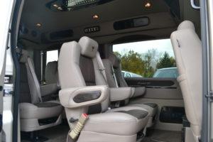 Ford Transit 250 Explorer Van