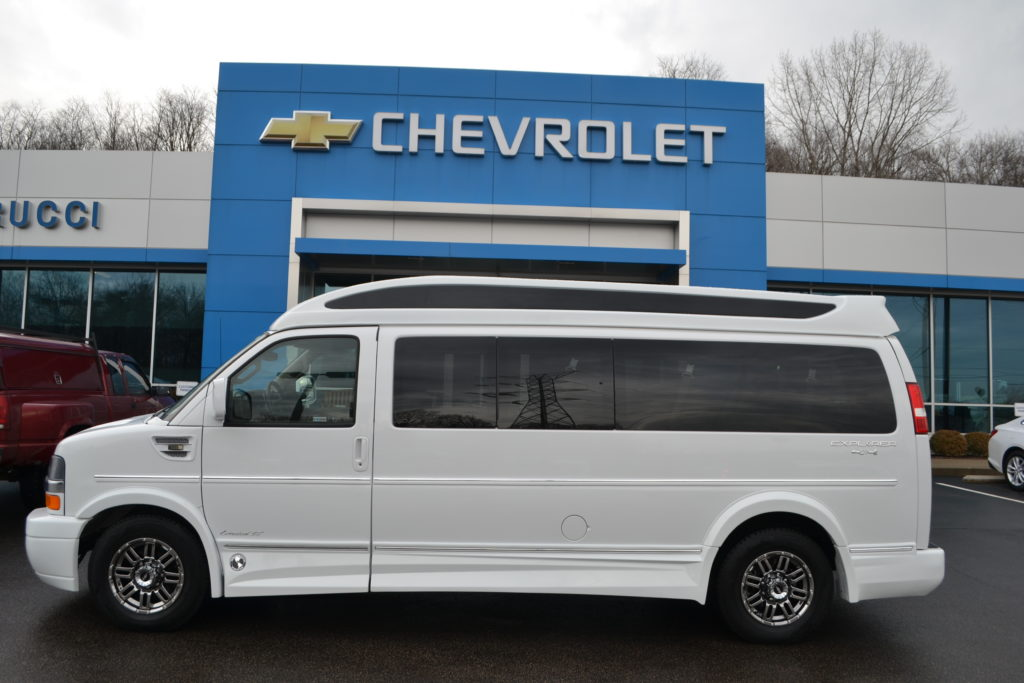 2017 Chevrolet Express 4X4 9 Passenger Explorer Limited X-SE White H1139206 Mike Castrucci Chevrolet Conversion Van Land