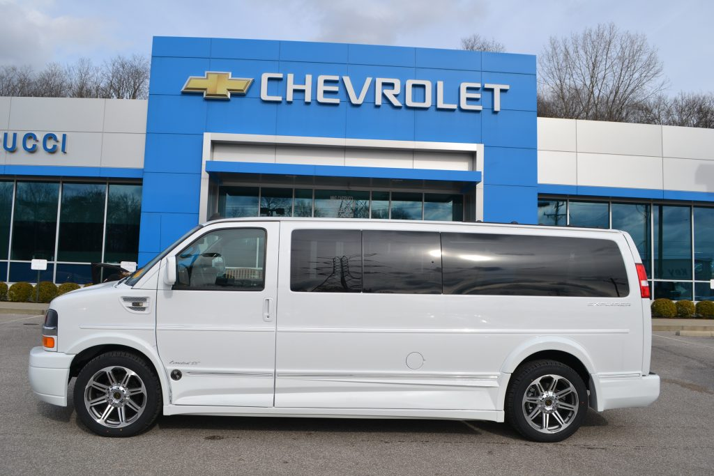 2017 Chevrolet Express 2500 Extended 9 passenger Explorer Limited X-SE Conversion Van H1132644 Low top White Conversion Van Land