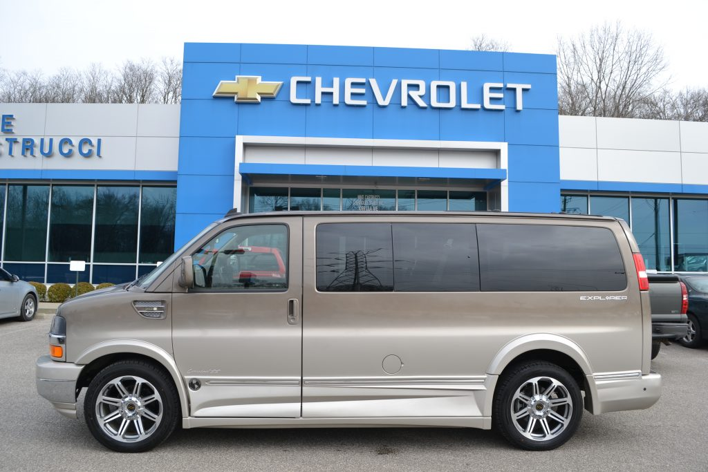 2017 Chevrolet Express 2500, Explorer Limited X-SE Conversion Van H1133178