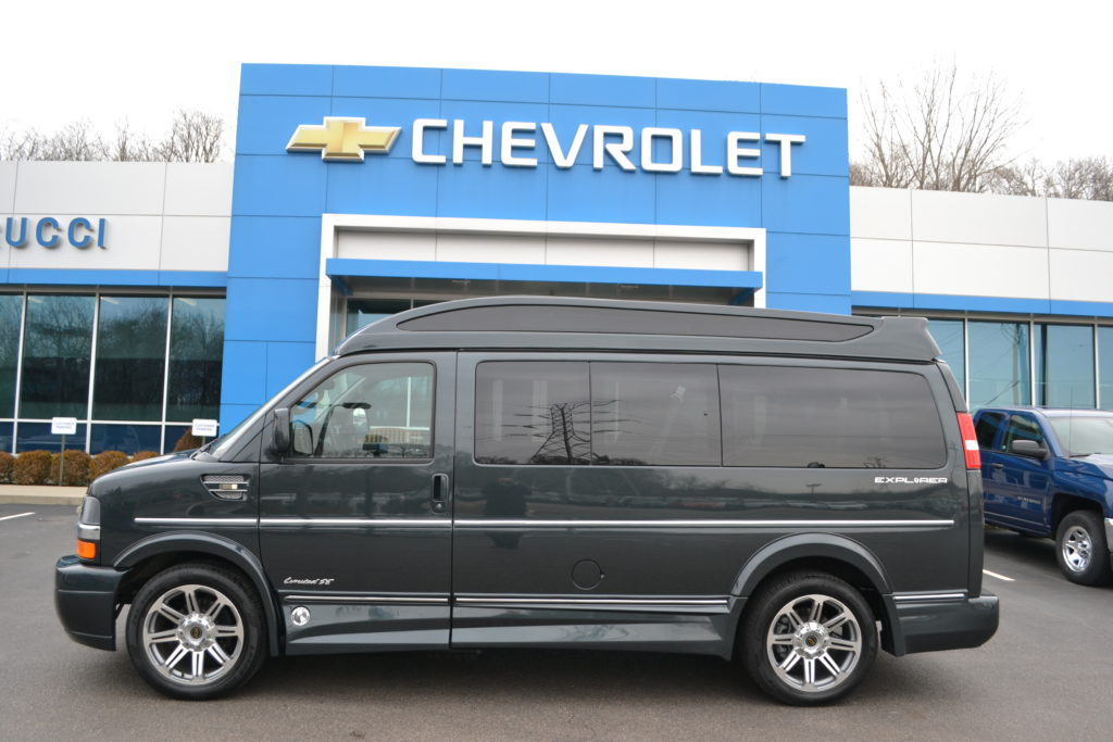 2017 Chevrolet Express Explorer Limited X-SE VC H1269567 Graphite Metallic