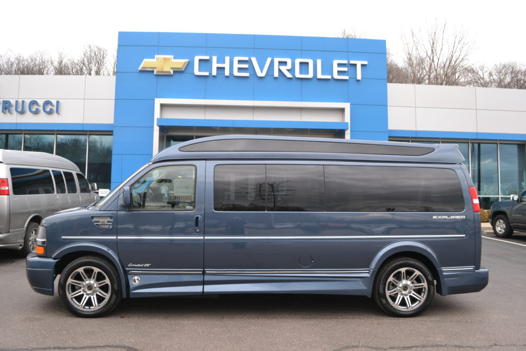2018 Chevrolet Express 9 Passenger Explorer Limited X-SE Blue Diamond Metallic J1166236