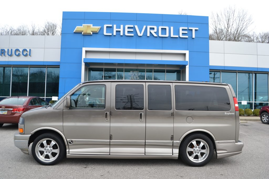 2007 AWD Chevrolet Express Explorer Limited X-SE low Top Bronzemist Fade Conversion Van land
