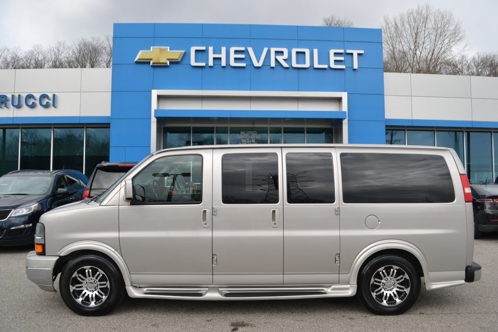 2009 Chevy Express Awd - Explorer Limited