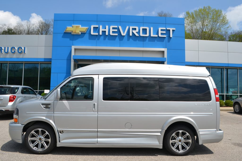 2017 Silver Ice Metallic Explorer Conversion Van Limited X-SE Sport Roof