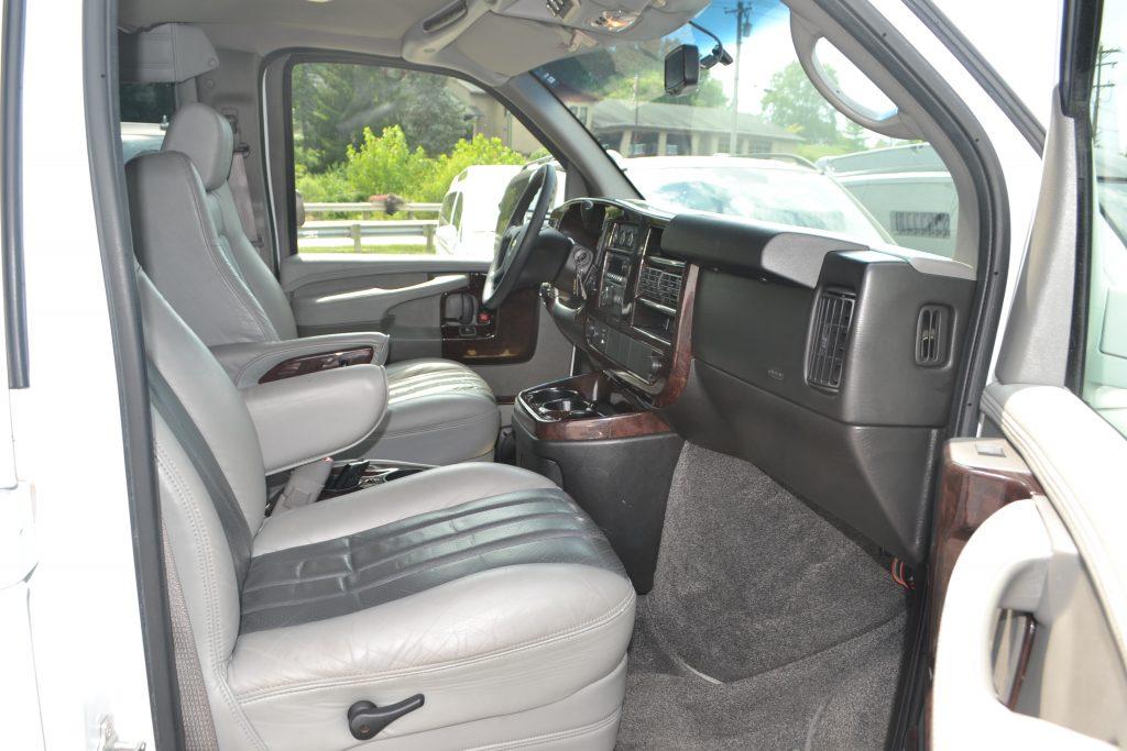 2009 chevy van express