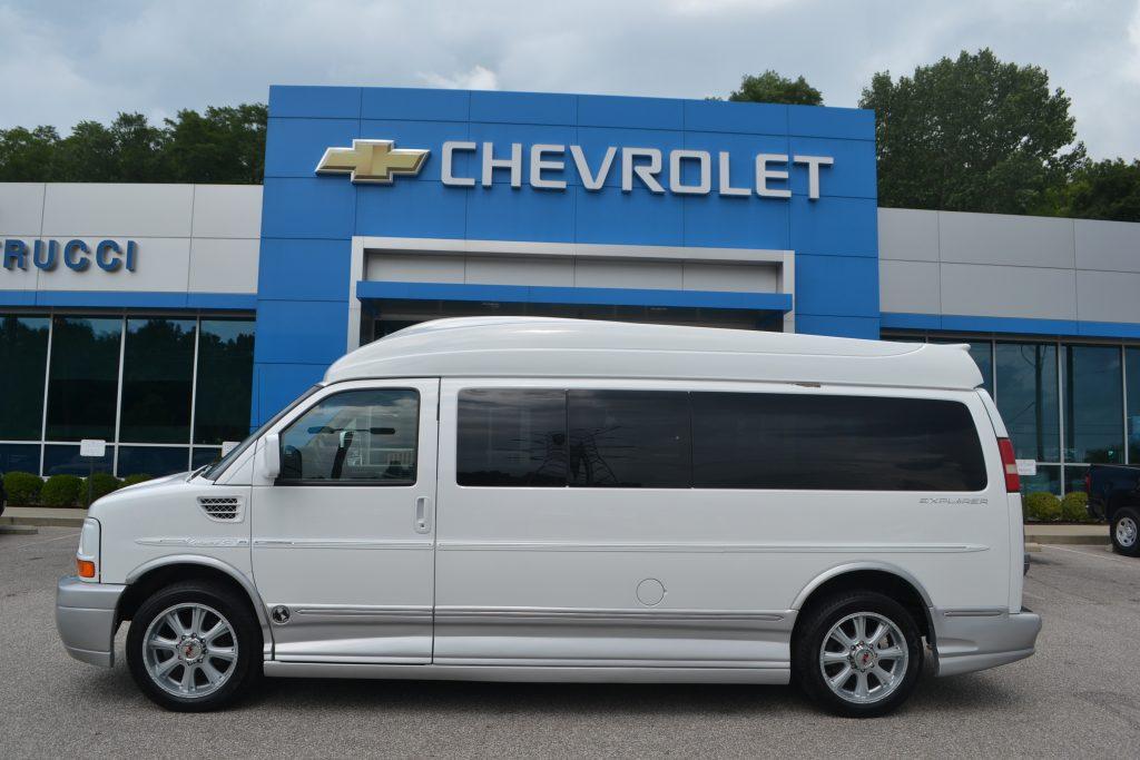 2009 Chevrolet Express Extended 9 Passenger Explorer Hi top Van