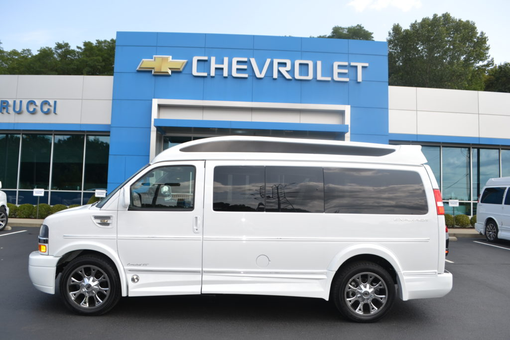 2017 Chevrolet Express 2500 Explorer Limited X-SE Vista Cruiser Top White Mike Castrucci Conversion Van Land H1288308