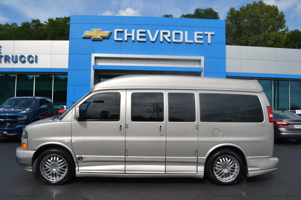 2006 GMC Savana Explorer Limited X-SE Silver Birch Metallic Conversion Van Land Mike Castrucci Chevrolet