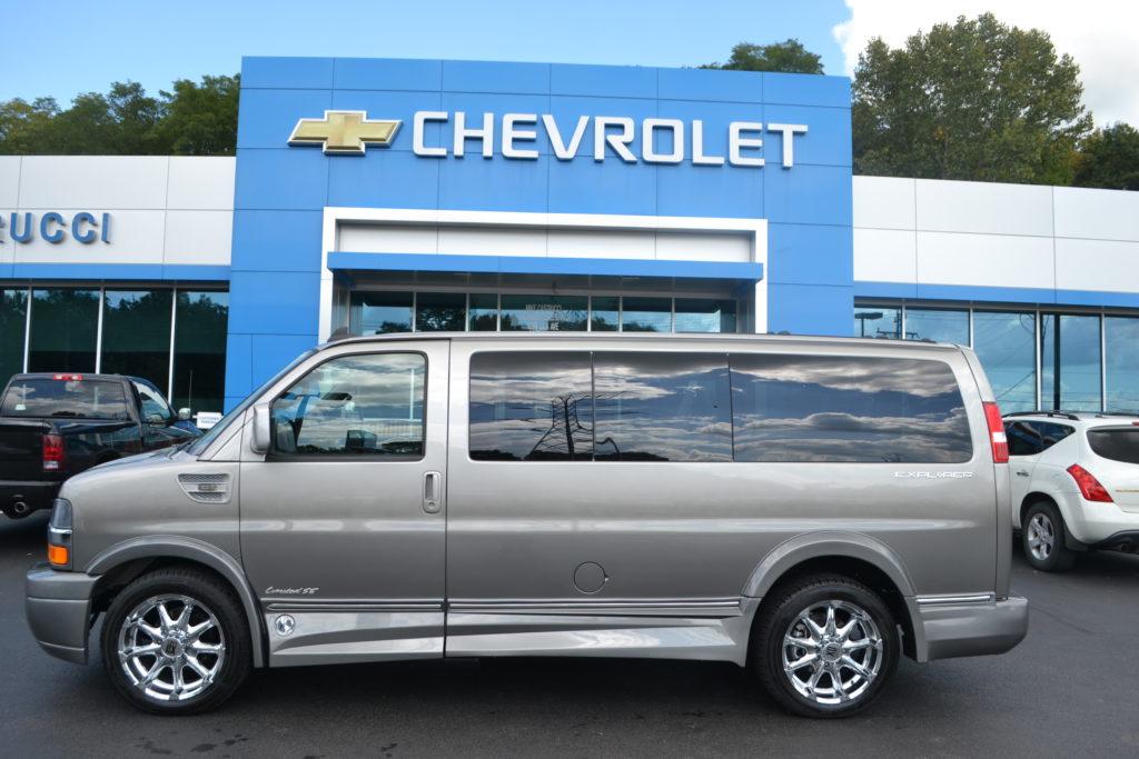 2017 Chevrolet Explorer Explorer Limited X-SE Low Top Silver Birch Fade Conversion Van land H1278621